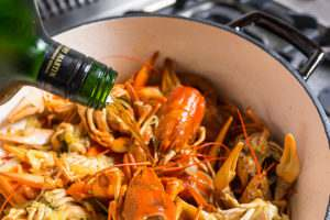 Для обжарки панцирей используя принципы французской кухни